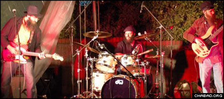The Yood Power Rock Trio made their American debut at the University of Washington Chabad House in the spring of 2007.